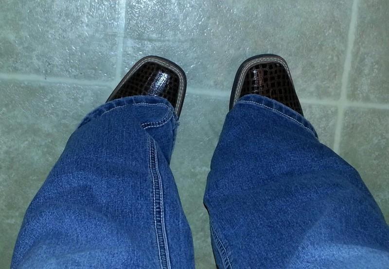 9. Стоит надеть свободные штаны, и твои ноги самым волшебным образом пропадают из вида для девушек, жизненное, обувь