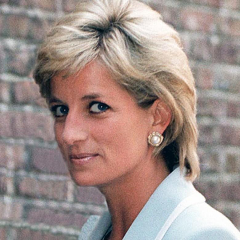 3. Она похоронена на острове королевская семья, принцесса диана, светская жизнь, факты