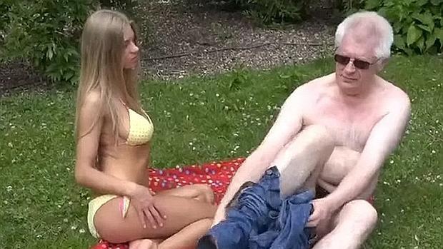 Пожилой профессор химии снимался в порно со студентками знания, профессор, учить любой ценой
