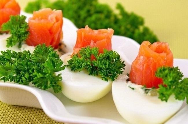 яйца фаршированные семгой
