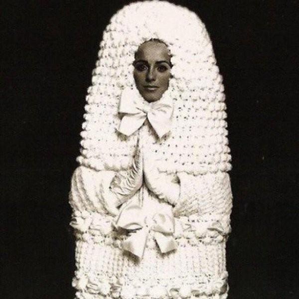 17. Так вот как выглядит свадьба судьи невесты, свадебное платье