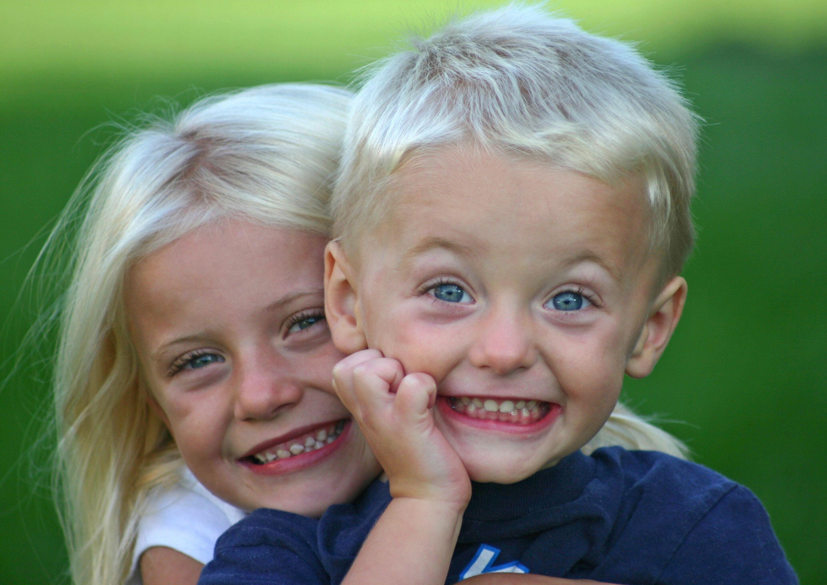 Родные брат с сестрой 8 фотография