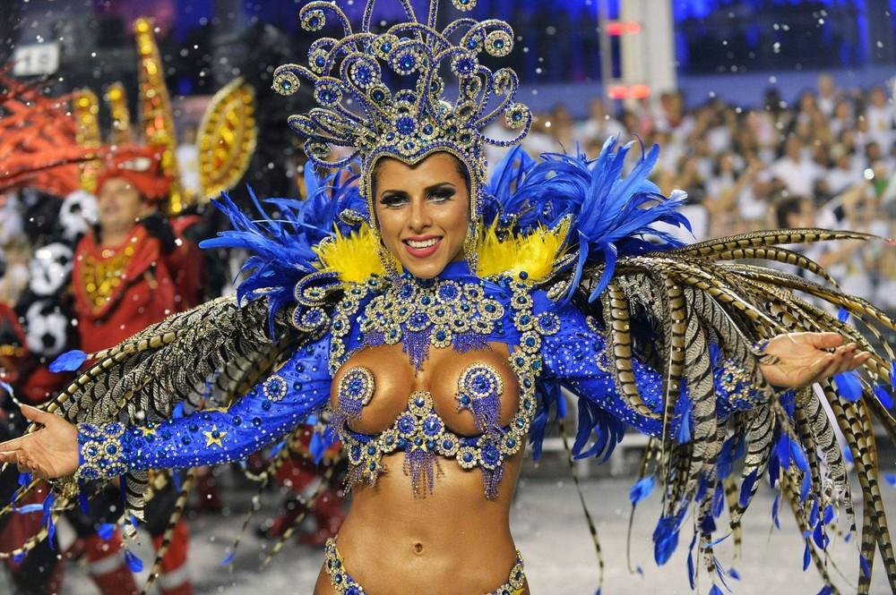 Бразильские сексуальные девушки на карновале фото фото 85-86