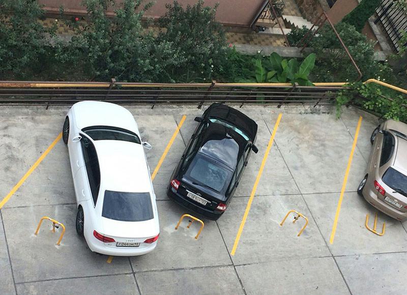 Борьба с произвольным захватом парковок. лень, хитрость, юмор