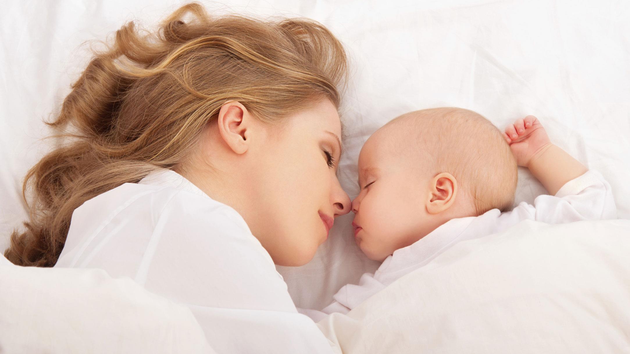 Спящая матьи сын 7 фотография
