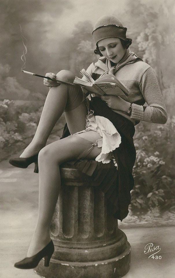 Неизвестная с книгой винтаж, женщины, красота, открытки, фото