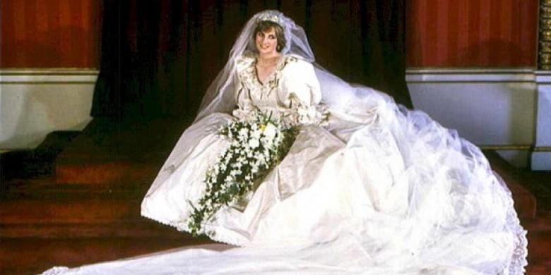 6. У свадебного платья Дианы был самый длинный шлейф в истории королевской семьи королевская семья, принцесса диана, светская жизнь, факты