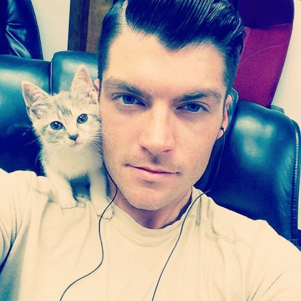 hot-dudes-with-kittens-instagram-43__605