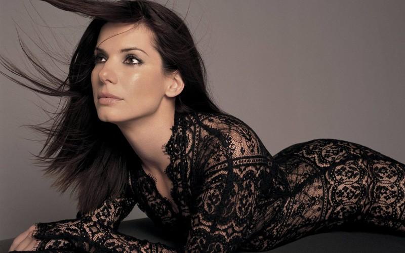 1. Сандра Буллок, 51 год возраст, знаменитость, сексуальность