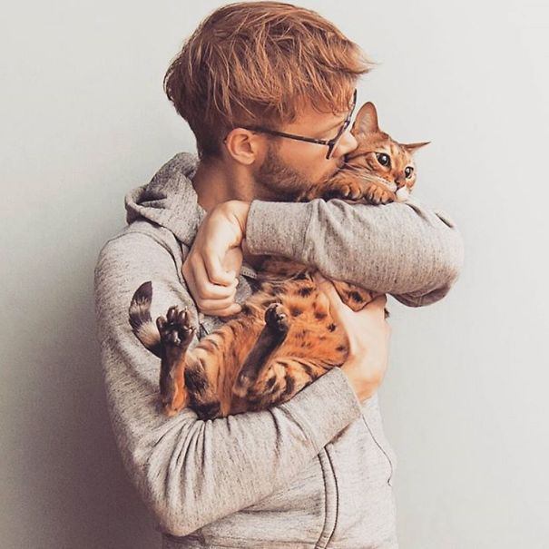 hot-dudes-with-kittens-instagram-461__605
