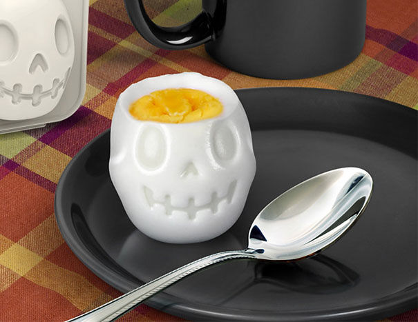 Форма для яйца в виде черепа