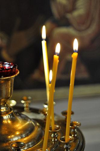 Как ставить свечи в церкви: за себя ...: top.thepo.st/2562867/kak-stavit-svechi-v-tserkvi-za-sebya-rodnyih...