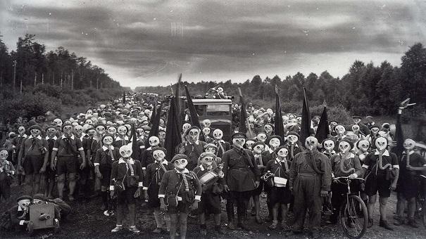 «Оборона пионеров». Ленинград. 1937 год. Фотограф: В. Булла