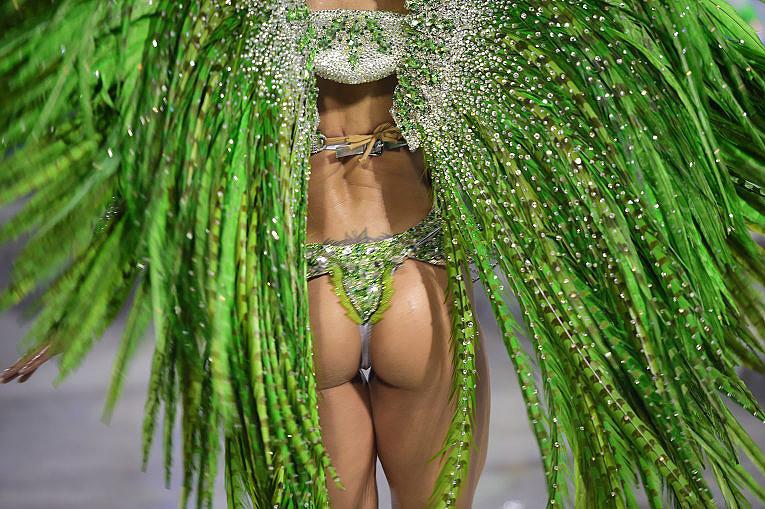 Знойные бразильянки на карнавале в Рио-де-Жанейро: устоять невозможно Карнавал Рио, бразилия, девушки