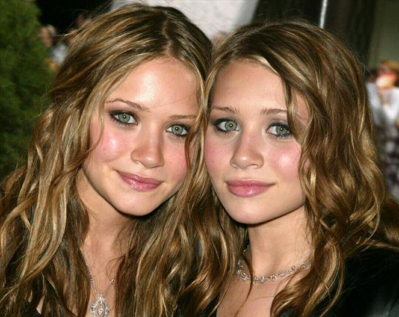 15 самых сексуальных двойняшек, тройняшек и прочих близнецов со всего мира близнецы, двойняшки, красотки